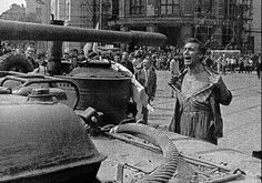Emil Gallo baring his chest in an a gesture of protest, Bratislava, August 1968 (photo by Ladislav Bielik). Warsaw Pact Invasion of Czechoslovakia to halt the Prague Spring Prague Spring, Warsaw Pact, Spring Photos, Aragon, World History, European History, Eastern Europe, Photojournalism, Historical Photos