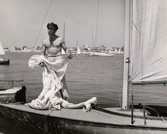 Humphrey Bogart developed his life-long love of sailing from the moment his father taught him how to sail when he was a young boy. His love of the ocean only grew when he was in the Navy during WWI.