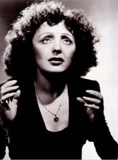 Edith Piaf, French singer and actress whose interpretation of the chanson made her internationally famous. Music Icon, My Music, Citations Photo, Types Of Arthritis, Rheumatoid Arthritis, Portraits, Actrices Hollywood, Foto Art, Great Women