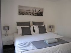 Lakefield Manor Unit 6 - Lakefield Manor Unit 6 is a lovely first-floor self-catering apartment situated close to Homestead Dam, in a secure residential complex in Lakefield, Benoni.  The unit consist of one bedroom with built-in ... #weekendgetaways #johannesburg #southafrica