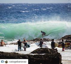 O #carioca campeão mundial de #SUP #Wave @caiogebaravaz pegou altas ondas em #Snappers Rocks no final de 2015 e início de 2016. Cara de sorte! Boa Caio! #australia #snapperrocks #surf #standup  #Repost @caiogebaravaz with @repostapp.  Snapper do jeito no ultimo dia de 2015!!! Feliz em ter pego altas ondas nos ultimos e primeiros dias do ano!!!!!!!! Gracias por la photo @juan_medina_jcm ! #snapperrocks #muitosurf2016 #izaa #comecoubemm #vemqvemm #sintasemormaii #familiamormaii #artinsurr…