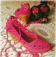 Crochet Baby Shoes, Crochet Slippers, Crochet Flip Flops, Flip Flop Shoes, Boot Cuffs, Crochet Cardigan, Crochet Accessories, Ballet Flats, Shoe Boots