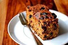 Irish Porter Cake - traditional Irish fruit cake, made with porter or stout. Rich and moist; perfect for St. Food Cakes, Cupcake Cakes, Fruit Cakes, Cupcakes, Cake Cookies, Irish Desserts, Irish Recipes, Scottish Recipes, Saint Patrick