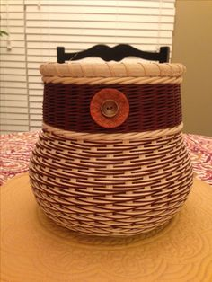 26 UNO basket featuring continuous Japanese twill. (Candace Katz class). Still trying to perfect that shaping....