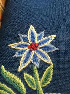 Toskaft Medieval Embroidery, Crewel Embroidery, Scandinavian Embroidery, Norway, Diy And Crafts, Textiles, Traditional, Knitting, Crochet