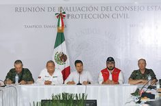 El Gobernador de Veracruz, Javier Duarte de Ochoa, asistió a la Reunión de Evaluación de Daños, la cual fue encabezada por el presidente Enrique Peña Nieto y miembros del gabinete federal, donde agradeció el apoyo y respaldo otorgado por el Gobierno de la República, tras el paso del huracán Ingrid por la entidad.