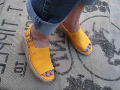Vintage Gold summer sandals 70s open toe shoes vintage jute wedge sandals 70s gold Slingbacks  7