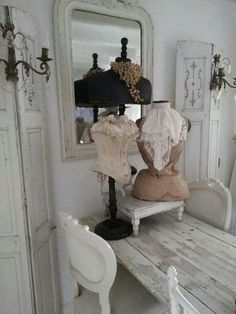 .lovely Vintage Shabby Chic, Shabby Chic Homes, Shabby Chic Decor, Shabby Chic Mannequin, Vintage Mannequin, Dress Form Mannequin, Vintage Outfits, Vintage Dress, Colour Schemes