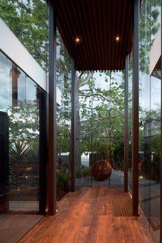schulberg demkiw architects / 1080 caulfield house, melbourne (landscape architect: nadia gill)