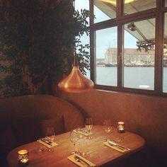Dejlig sted at holde møde. Kan man bo på en restaurant, vil jeg bo her! #verandah_cph #thestandard #restaurant #indreby #københavn #deichmanndk #lovecopenhagen