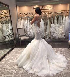#wedding #weddingdress #weddinggown #weddingfashion #bride #bridal #bridaldress #bridalgown #hautecouture #couture #weddingphotography #свадьба #свадебноеплатье #платье #платья #красиво #красота #невеста #свадьба2016