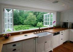 Zacne okno w kuchni.