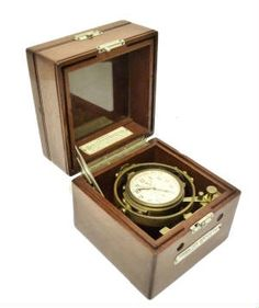 HAMILTON U.S. Navy Model 22 Chronometer with Bureau of Ships Navy Markings 1941 With Navy Bezel Maintenance Date Near New Condition, Accurate Time