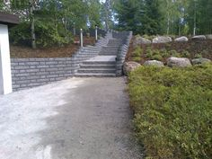 Pihaportaat, piha, puutarha Concrete, Garden Ideas, Sidewalk, Stone, Rock, Side Walkway, Walkway, Stones, Landscaping Ideas
