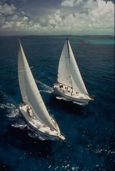 sailboats are so beautiful. Would love to sail the high seas on a beauty like this one.