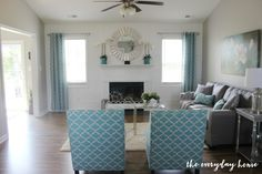 The Everyday Home is back with another Before and After Fixer Upper Reveal.  From ugly and boring to spectacular, come take the tour of this beautiful home. | The Everyday Home | www.everydayhomeblog.com