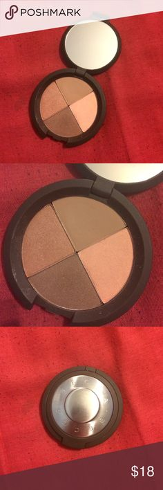 Becca Ultimate Colour Eye Quad In sun chaser. Really pretty just trying to declutter. Great pigmentation. Bought from another posher. Barely used. Please don't hesitate to ask any questions you have. Don't like my price? Make an offer. 20% OFF ANY BUNDLE!!! BECCA Makeup Eyeshadow