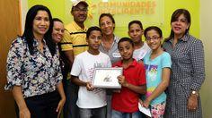 Familias Fuertes previenen conductas de riesgo; reciben certificados