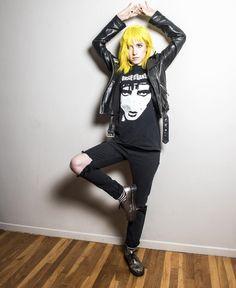 Hayley Williams, la chanteuse du groupe Paramore, vient d'annoncer le lancement de sa gamme de couleurs pour cheveux !