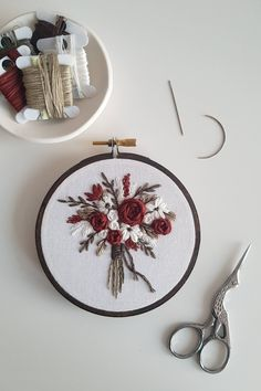 Embroidery Stitches Designs One of my favourite new bouquets I've been working on recently :) : Embroidery - Post with 0 votes and 14190 views. One of my favourite new bouquets I've been working on recently :) Hand Embroidery Patterns Flowers, Embroidery On Clothes, Embroidery Flowers Pattern, Hand Embroidery Stitches, Modern Embroidery, Embroidery Hoop Art, Hand Embroidery Designs, Ribbon Embroidery, Hand Stitching