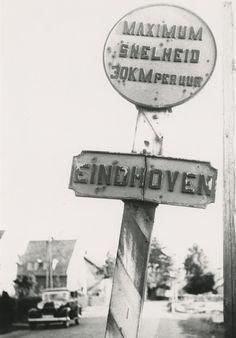 195741 Verkeersbord: maximum snelheid 30 km. per uur. Einhoven. Auteur: Postema, Ben - 1939