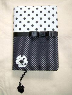 Agenda forrada com tecido poá preta e branca - A04 - R$32.00