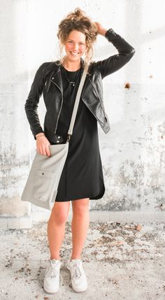 Het prachtige zusss jurkje! #new #dress #black #cute #zusss #kadoes #doesburg Trendy Outfits, Cool Outfits, Minimal Chic, Mode Style, Capsule Wardrobe, Autumn Winter Fashion, Leather Skirt, Style Inspiration, Summer Dresses