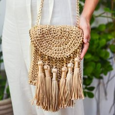 45 cute and easy best free crochet bag patterns 2019 - Page 7 of 56 Crochet Diy, Free Crochet Bag, Crochet Clutch, Crochet Handbags, Crochet Purses, Love Crochet, Crochet Bags, Knitted Bags, Crochet Accessories