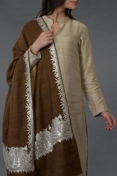 Brown Pure Pashmina Silver Tilla Shawl with Suit Silk Kurti Designs, Kurta Designs Women, Kurti Designs Party Wear, Blouse Designs, Simple Pakistani Dresses, Pakistani Dress Design, Indian Dresses, Indian Outfits, Fancy Dress Design