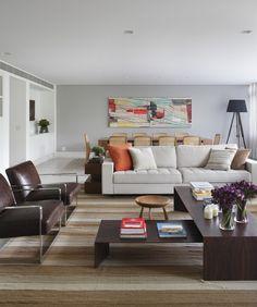 Novos ares para a decoração. Veja: http://casadevalentina.com.br/projetos/detalhes/alem-da-reforma-590 #decor #decoracao #interior #design #casa #home #house #idea #ideia #detalhes #details #style #estilo #casadevalentina #livingroom #saladeestar