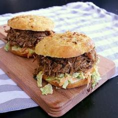 These onion packed low carb buns are super quick and easy to throw together for some extra delicious keto burgers or low carb sandwiches. Low Carb Bun, Low Carb Bread, Low Carb Keto, Gf Recipes, Low Carb Recipes, Healthy Recipes, Bread Recipes, Eat Healthy, Healthy Habits