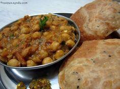 chole recipe in marathi Recipes In Marathi, Indian Food Recipes, Ethnic Recipes, Healthy Dinner Recipes, Vegetarian Recipes, Yummy Recipes, Easy Chole Recipe, Chhole Recipe, Punjabi Food