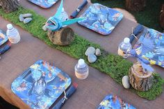 How to Train Your Dragon Party. Table and centerpiece
