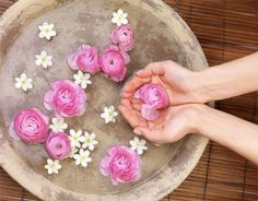 Women around the world have used rose water as part of their skin careregime for centuries! Even Cleopatra is said to have added rose petals to her bath! While it may have lost some of its' allureover the last few decades, in recent yearsit has been enjoying a surge in popularity! More and more beauty …