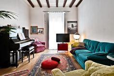 """Διαμέρισμα στην/στο Μιλάνο, Ιταλία. The bedroom is very quite and cosy. You'll have a bathroom just in front of your door and another one, with the shower, which we'll share.  There's a piano in the living room.  The neighborhood is very """"Milanese"""", with nice cafes and close to city..."""