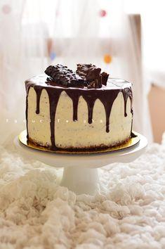 50 g étcsokoládé 25 g vaj Macaron Flavors, Macaron Recipe, Vanilla Macarons, Russell Hobbs, Cake Cookies, Tiramisu, Oreo, Make It Simple, Muffin