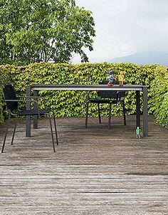 Sushi 12 outdoor by Bartoli Design - Kristalia #outdoorfurniture #interiordesign #gardentable #bartolidesign