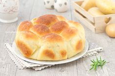Il danubio di patate è un rustico soffice come una nuvola con patate nell'impasto, è semplice da fare e goloso, va letteralmente a ruba, piace a tutti!