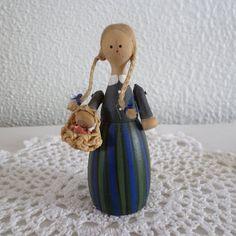 Swedish folk art wood doll Susi-Lull by L. Long Braids, Vintage Wood, Green Dress, Art Dolls, Folk Art, Hand Painted, Christmas Ornaments, Holiday Decor, Etsy