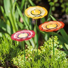 3 Piece Poppy Metal Garden Stake Set
