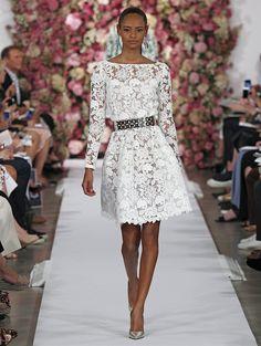 Oscar de la Renta | Spring 2015 | Ivory corded guipure dress. Silver metal laser cut out belt. Smoke metallic Sabrina pump.