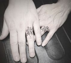 Radiant We Recommend a Titanium Wedding Ring Ideas. Dazzling We Recommend a Titanium Wedding Ring Ideas. Tattoo Ringe, Snow Tattoo, Tattoo Motive, Innenohr Piercing, Piercings, Private Tattoos, Married Rings, Fingers Tatoo, Tattoos