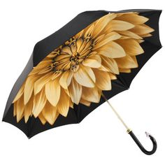 umbrella with floral liner - to brighten up a rainy day Large Umbrella, Folding Umbrella, Under My Umbrella, Black Umbrella, Cute Umbrellas, Umbrellas Parasols, Walking In The Rain, Singing In The Rain, Homemade Home Decor