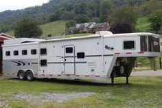 2007 Exiss 4 Horse All Aluminum Gooseneck Living Quarters Trailer - 8' wide x 32' long