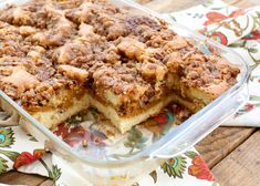 This EASY Layered Pumpkin Coffee Cake starts with a sour cream coffee cake layered with a creamy pumpkin filling and topped with a pecan streusel toppping! Köstliche Desserts, Delicious Desserts, Dessert Recipes, Yummy Food, Pumpkin Coffee Cakes, Pumpkin Dessert, Pumpkin Recipes, Fall Recipes, Sour Cream Coffee Cake