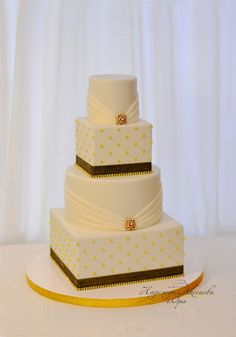 Sparkling White & Black Wedding Cake
