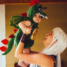 This doesn't contain tutorials or anything, but it is just too cute to pass up. I would have a baby more just so that I could dress it up as a dragon to my Daenerys.