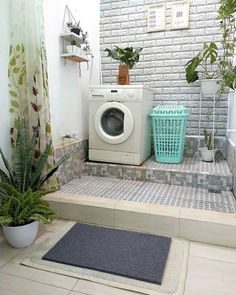 30 Laundry Room Organization Ideas to Make Your Life Easier - Good Housekeeping . 30 Laundry Room Organization Ideas to Make Your Life Easier – Good Housekeeping Mantra Outdoor Laundry Rooms, Small Laundry Rooms, Laundry Area, Laundry Room Layouts, Laundry Room Organization, Organization Ideas, Home Room Design, Bathroom Interior Design, Hobby Design