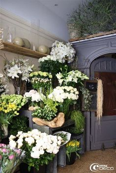 If I had a florist shop, I would want it to look like this!