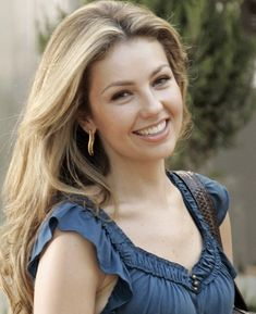 8 Hacks That Make Thalia's Life Easier Most Beautiful Faces, Beautiful Smile, Beautiful Celebrities, Beautiful Actresses, Gorgeous Women, Woman Smile, Woman Face, Cute Woman, Pretty Woman